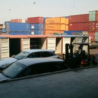 Photo taken at สถานีบรรจุและแยกสินค้ากล่อง ลาดกระบัง (Latkrabang Inland Container Depot) SRT3016 by Imz P. on 2/25/2016