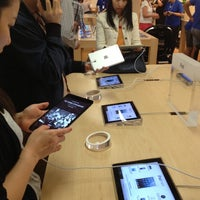 Photo taken at Apple Store by Steve H. on 11/2/2012