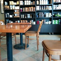 Das Foto wurde bei Starbucks von Ken G. am 3/29/2014 aufgenommen