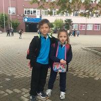Photo taken at Mehmet Akif Basket Sahası by 💫Zeynep V. on 10/15/2018