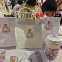 Photo taken at Hello Kitty Cafe by Sweet Grace G. on 8/30/2014