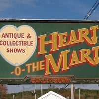 Photo taken at Brimfield HEART O MART by Ridgely B. on 5/15/2013