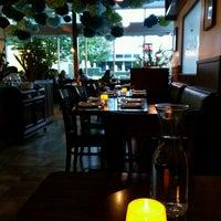 Photo taken at Mango Thai Cuisine & Bar by Falcon Darkstar on 10/14/2016