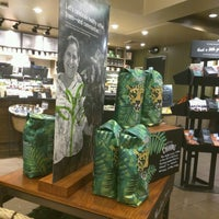 Photo taken at Starbucks by Falcon Darkstar on 10/14/2016
