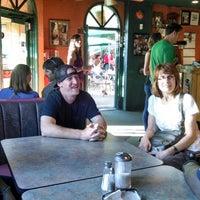Foto tomada en El Noa Noa Mexican Restaurant por Dennis B. el 6/29/2014