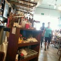 Foto tomada en Looney Bean Coffee por Francisco R. el 9/24/2016