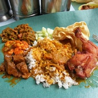 Photo taken at Kanna Curry House by Yvonne L. on 10/23/2012