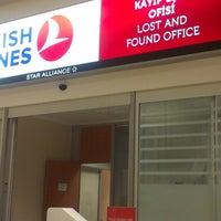 Photo prise au THY Lost And Found Office par Hasan A. le5/13/2014