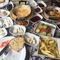 11/29/2015 tarihinde Yelda Y.ziyaretçi tarafından Cemil Piknik - Meşhur Abant Kahvaltıcısı'de çekilen fotoğraf