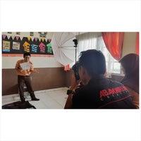 Photo taken at SMA Negeri 10 Padang by Gefry D. on 1/31/2015
