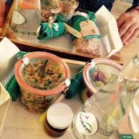 7/14/2015 tarihinde Maud S.ziyaretçi tarafından Plus Kitchen'de çekilen fotoğraf