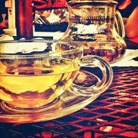 Снимок сделан в The Conservatory for Coffee, Tea & Cocoa пользователем Spider_Dude 2/19/2013