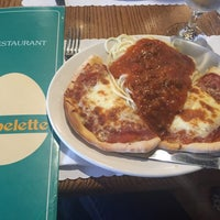 Photo taken at Café Bistro L'Omelette by Tessa D. on 5/24/2015