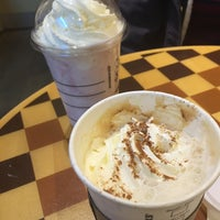 Photo taken at Starbucks by みちこ on 9/29/2015