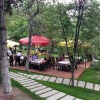 5/24/2013 tarihinde Erdinc S.ziyaretçi tarafından Çardak Restaurant'de çekilen fotoğraf