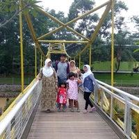 Photo taken at Rumah Makan Apung by Jalmo P. on 2/9/2014