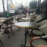 Photo taken at Starbucks by Heejin J. on 3/16/2013