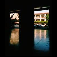 Foto tirada no(a) LPU Mabini Hall por Aileen M. em 12/8/2015