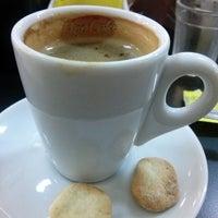Photo taken at Café da Praça by Leandro M. on 3/31/2014