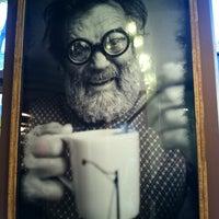 12/28/2012 tarihinde Montaign G.ziyaretçi tarafından Caffe Streets'de çekilen fotoğraf
