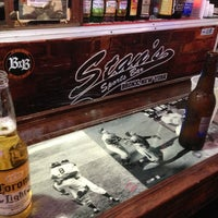 Foto tirada no(a) Stan's Sports Bar por Rob L. em 6/18/2013
