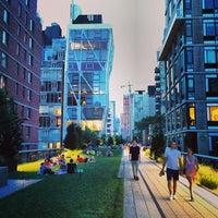 7/19/2013 tarihinde Victor H.ziyaretçi tarafından High Line'de çekilen fotoğraf