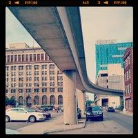 Photo taken at Detroit Pub Greektown by Jean-Francois L. on 6/21/2013