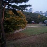Photo taken at COFFINE GURUNARU by 순남 권. on 10/25/2014