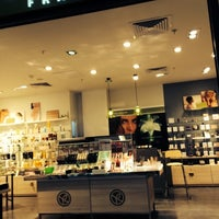 Photo taken at Yves Rocher  Next Level by 103372 -. on 11/2/2014