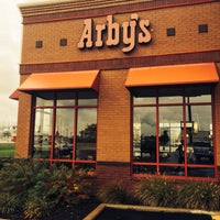 Photo taken at Arby's by 103372 -. on 10/15/2014