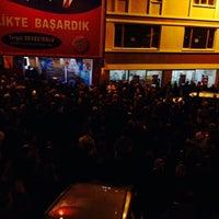 Photo taken at Turgut Devecioğlu Seçim Bürosu by Ünsal Akman on 3/27/2014