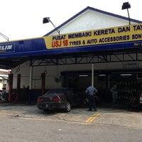 Photo taken at Michelin Tyre Shop Usj18 by Daniel M. on 3/13/2013