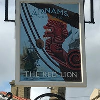 Photo taken at The Red Lion by Florian W. on 8/10/2017