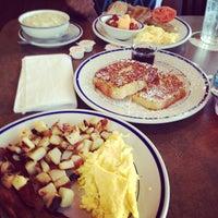 Photo taken at Bob Evans Restaurant by Kamarah S. A. on 7/24/2014
