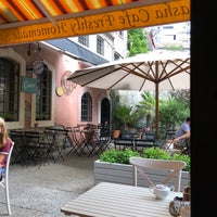 Photo prise au Faik Pasha Cafe par Ayse Günbaş le8/30/2018