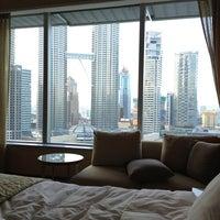 Снимок сделан в Traders Hotel пользователем HAN K. 1/29/2013