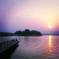 Photo taken at 昆明湖 Kunming Lake by Windinrite on 6/3/2013