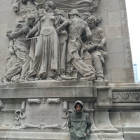 Foto diambil di Chicago's First Lady oleh Stephen P. pada 5/1/2016
