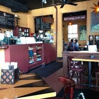 Foto tirada no(a) Empire Cafe por Judy T. em 3/16/2013
