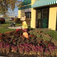 Foto tirada no(a) Perkins Restaurant & Bakery por Brian J. em 10/21/2012