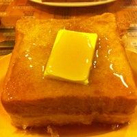 Photo taken at 香港波記茶餐廳 by Jia Xin B. on 12/28/2012