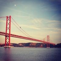 Foto tomada en Ponte 25 de Abril por bigMOTOR el 9/15/2013