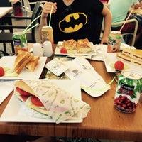 8/16/2015 tarihinde Hüseyin K.ziyaretçi tarafından Cafe'de Marine'de çekilen fotoğraf