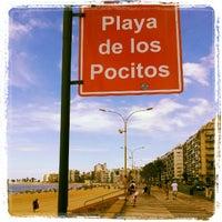 Foto tomada en Playa Pocitos por Regina C. el 2/10/2013