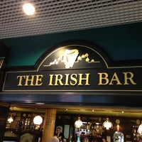 Снимок сделан в The Irish Bar пользователем Vasily K. 11/15/2012