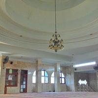Photo taken at Masjid Al Qomar by Tessaldi I. on 10/16/2014