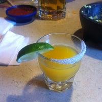 Foto tomada en La Parrilla Mexican Restaurant por Kaitlin B. el 4/12/2013