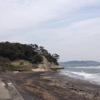 Photo taken at Inamuragasaki Beach by Tomoaki M. on 4/14/2013