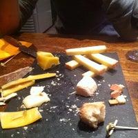 Foto scattata a La Vache Dans Les Vignes da Julien M. il 11/7/2013