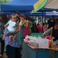 Photo taken at Bazaar Ramadhan Pekan by Masliza M. on 8/5/2013